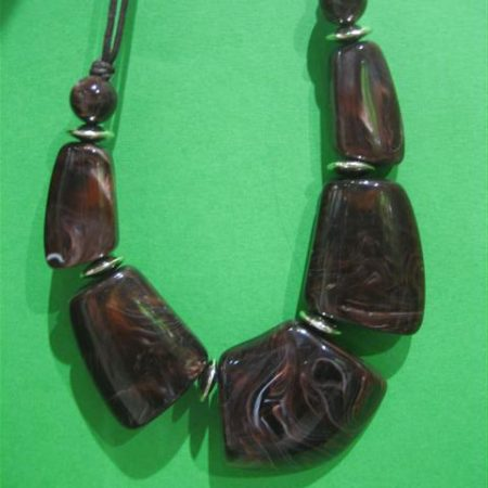 braon ogrlica od perli (1)