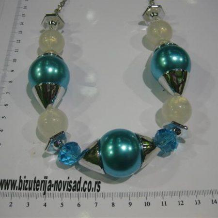 ogrlica od plavih perli