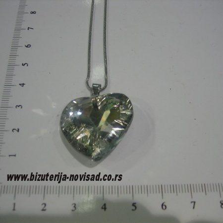 ogrlica sa priveskom od kristala (1)