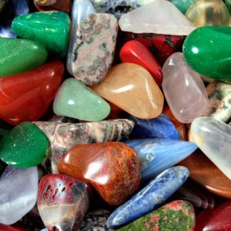 Poludrago kamenje (minerali)